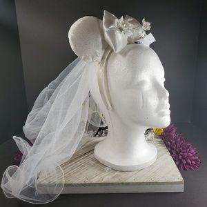 Disney Parks Bridal Minnie Ears with Veil, New